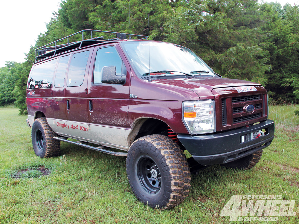 photo 131_1111_01quigleys_a_team_2009_ford_e_350_quigley_4x4_conversionford_van_front_three_quarter.jpg